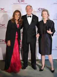 Roland Berger and his wife Karin Berger (R) and 2008 Roland Berger Award winner Somaly Mam attend the Roland Berger Award 2009 at the Konzerthaus am ... - Roland+Berger+Award+2009+AdtOI4c8Rg3l