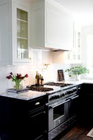 Remodeled Kitchens With White Cabinets by Best 25 Timeless Kitchen Ideas Only On Pinterest Kitchens With