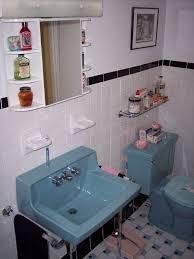 Bathrooms Renovation Ideas Colors Best 25 Retro Bathrooms Ideas On Pinterest Retro Bathroom Decor