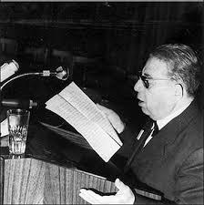 قصيدة : (ثورة الشرفاء) للشاعر الجزائري مفدي زكريا رحمه الله Images?q=tbn:ANd9GcQdTrDzuyWA7TgTr_oKqckgPpD4tyR8NBNLzihRBrwhIRHBKS36