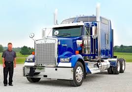 new kenworth semi kenworth delivers first icon 900 tractor