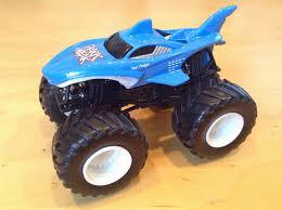 monster jam trucks 2014 julian u0027s wheels blog shark wreak monster jam truck