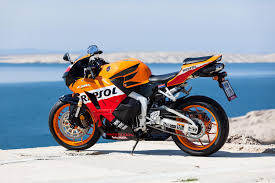 cbr racing bike price the honda cbr 600 aerodynamic responsive and fast auto mart blog