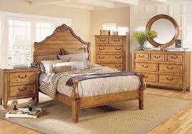 بعض تصاميم غرف النوم Images?q=tbn:ANd9GcQeU1Y2WWV3IQY6h6-mD8dyGYkjmefDWq6b2fg2bvpCtPee4tHZ