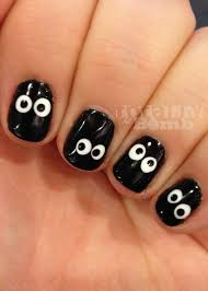 spooky eyeball nails easy halloween nails and easy halloween