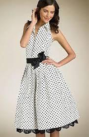 sukienka w biało-czarne groszki