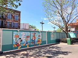 disney s hollywood studios the awakening construction update of course with walls going up to block off the streets of america some deconstruction has been going on for a few weeks where possible starting with the