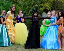 Group Family Halloween Costumes by Disney Princesses And Villains Halloween Inspo Pinterest