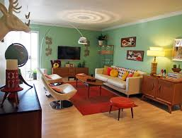best retro living room design with nice red rugs and wooden