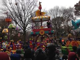 when is the thanksgiving day parade 2014 nyc tips to attend macy u0027s thanksgiving day parade 2015