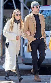 Elizabeth Olsen  Robbie Arnett
