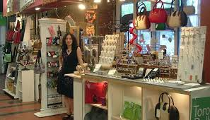 Anything Goes is a small boutique owned and operated by Nesrin Akdemir, a talented and experienced jewellry designer who has been retailing at the Market ... - 1322867305_anything