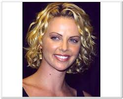 short haircuts for frizzy curly hair the best short hairtsyles for thick wavy hair