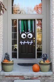 25 spooktacular halloween door décor diys