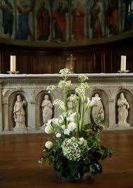 composition florale haute mariage religieux décoration florale pinterest art floral