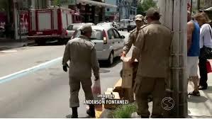 Gambá é resgatado pelo Corpo de Bombeiros em Volta Redonda (RJ)