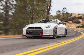 2007 Nissan Gtr Godzilla By The Numbers 2009 2017 Nissan Gt R Motor Trend