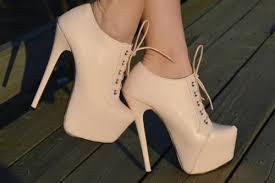 أحذية آخر صيحة images?q=tbn:ANd9GcQ