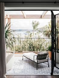this sydney waterfront holiday villa design will leave you breathless