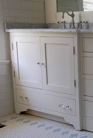 Vanity Units With Drawers For Bathroom by Impressive Country Style Bathroom Vanity Units Using Shaker Door