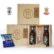 official hesketh 308 gold beer gift box can be personalised