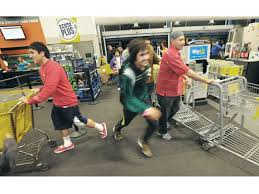 Thursday Thanksgiving Sales Deal Hunters Dash To Thanksgiving Day Sales