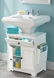 the pedestal sink towel bar is a great solution for small