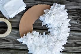 diy tissue wreath 5 elisabeth mcknight