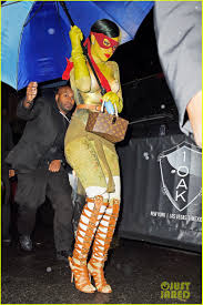 raphael halloween costume rihanna heats it up as raphael from u0027teenage mutant ninja turtles