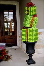 christmas topiary for the front porch cute other ideas listed