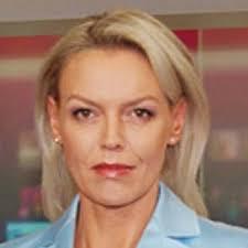 """Tagesschau""""-Moderatorin Katja Stauber gesteht, dass sie nicht gut kochen kann. In einem SF-Bildungsurlaub würde sie deshalb wohl Kochkurse belegen. - tagesschau-moderatorin-katja-stauber-braucht-einen-kochkurs-2797879"""