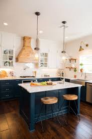 Old Wooden Kitchen Cabinets Best 25 Old Kitchen Cabinets Ideas On Pinterest Updating