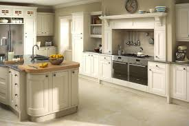 Kitchen Oak Cabinets by Yellow Kitchens With Oak Cabinets Hottest Home Design