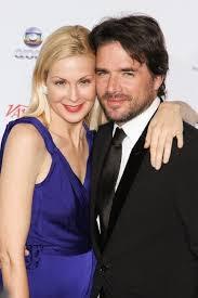 Kelly Rutherford et Matthew Settle lors de la soir  e   th International Emmy Awards    New York