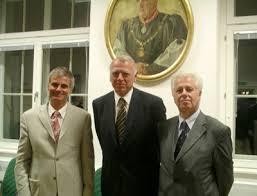 v.l.: Dr. Walter Pilgermair (Präsident des Oberlandesgerichtes Innsbruck), Dr. Johann. 20.10.2006. Die Wurzeln der richterlichen Funktion liegen im ... - pilgermair_rzeszut_wachter