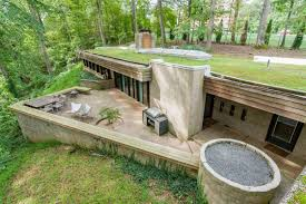 70s bunker like house is actually a dream curbed
