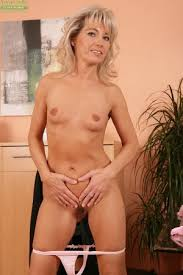Naked Mature Ladies Photos