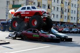 monster jam trucks 2014 file monster truck m20 jpg wikimedia commons