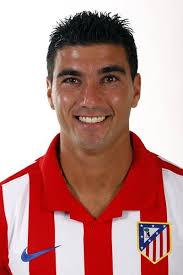 Nombre: José Antonio Reyes Calderón Nacionalidad: España (ESP) Fecha de Nacimiento: 01/09/1983 (26 años) Altura/Peso: 176 cm./ 76 Kg. Dorsal: 19 - 19.%2520Jos%25C3%25A9%2520Antonio%2520Reyes