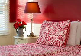 Red Bedroom by Easy Feng Shui Decorate Your House With Colour Red