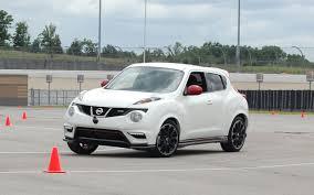 nissan juke white and red car picker white nissan juke