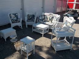 White Wicker Outdoor Patio Furniture by Best 20 Wicker Furniture Cushions Ideas On Pinterest Adirondack