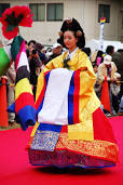 korean haristyle and hanbok Images?q=tbn:ANd9GcREd2iKU9knehNvNfr7kIdE22UaKVaIocq4uAezCtZpqmfo87w6r5E4qSg