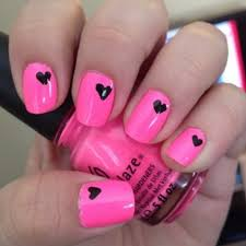 paznokcie różowe