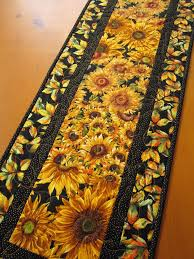 Quilted Table Runners by 270 Best Quilted Table Runners U0026 Centers Images On Pinterest