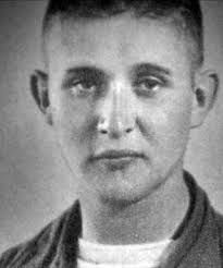 James Joseph Dresnok (comumente conhecido como Joe Dresnok) nasceu em 1941 no estado da Virginia, nos Estados Unidos. É filho de Joseph Dresnok I ... - dresnokX7X320_1204728028_1204728049