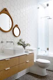 Wall Tile Bathroom Ideas by Best 20 Mid Century Bathroom Ideas On Pinterest Mid Century