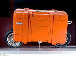 Miguel Palma\u0026#39;s TRANSBOX. Oct, 2007. miguel-palma_transbox.jpg. Mala de Plástico, Mini Mota e outros materiais. 80 x 45 x 100 cm. - miguel-palma_transbox