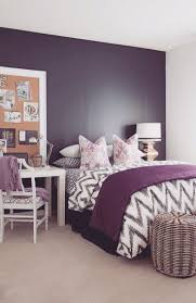 Purple Bedroom Furniture by Best 25 Purple Accent Walls Ideas On Pinterest Purple Bedroom