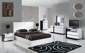 White Modern Bedroom Furniture Set Lacquered White Leather Modern Platform Bed With Wood Frame New
